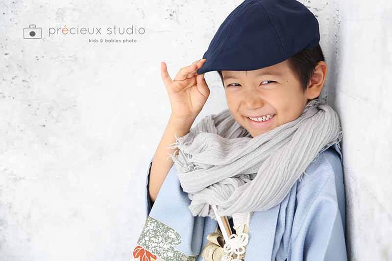 男の子の七五三記念写真 5歳 ハットと着物でコーディネート プレシュスタジオ撮影