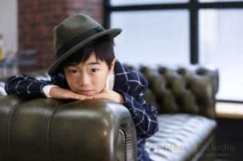 ハウススタジオでバースデーフォト 男の子のお誕生日記念写真 プレシュスタジオ撮影写真