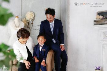 家族3人で記念写真