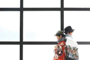 男の子2人で七五三写真 羽織袴にハット ハウススタジオの和室で紅葉と撮影 プレシュスタジオ撮影写真