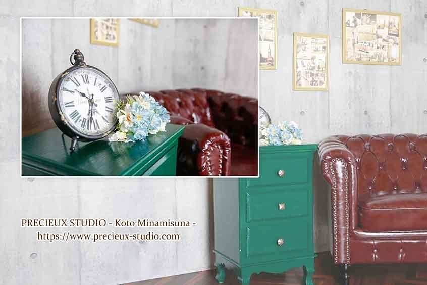 プレシュスタジオ江東南砂店の撮影セット内装 ソファーとインテリア
