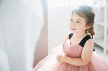 プレシュスタジオ豊洲店女の子撮影ピンクのドレス