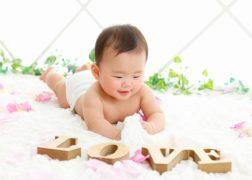 おむつ写真の赤ちゃん
