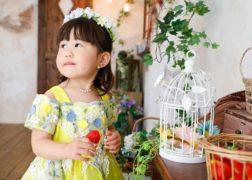 花冠とドレスでバースデーフォト
