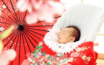 お宮参りの赤ちゃん写真