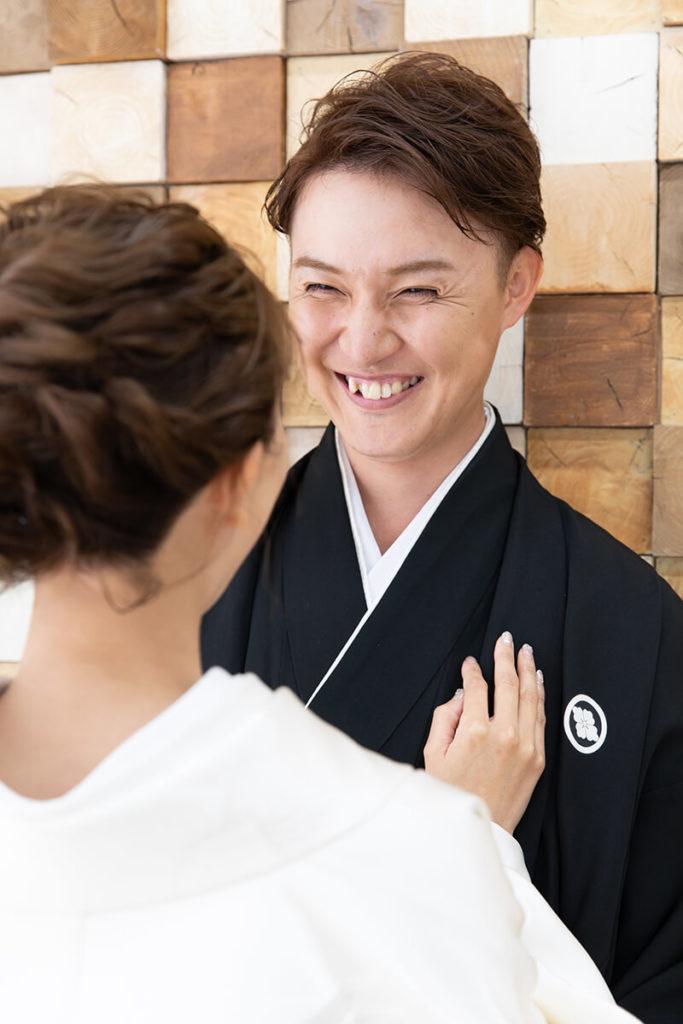プレシュウェディング撮影 和装袴の新郎と白無垢の花嫁