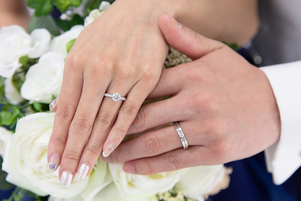 プレシュウェディング撮影 新郎新婦の結婚指輪