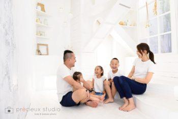 リンクコーデで家族記念写真
