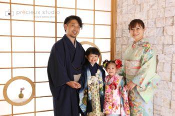 家族で七五三の記念写真