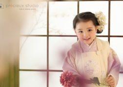 3歳の七五三記念写真 NATURAL BEAUTYのブランド着物