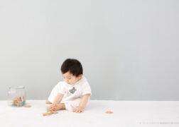 カジュアルに1歳のお誕生日の記念写真撮影