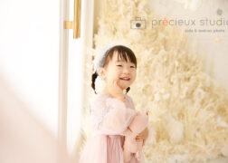 ドレス姿で2歳のお誕生日記念写真