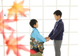 兄弟で七五三の記念写真撮影 ブルーの羽織袴