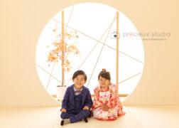 和室で3歳の七五三記念写真撮影