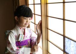 7歳の七五三記念写真撮影 かわいい着物と筥迫