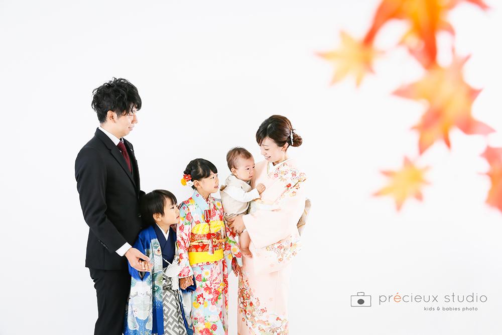 家族で七五三記念写真撮影
